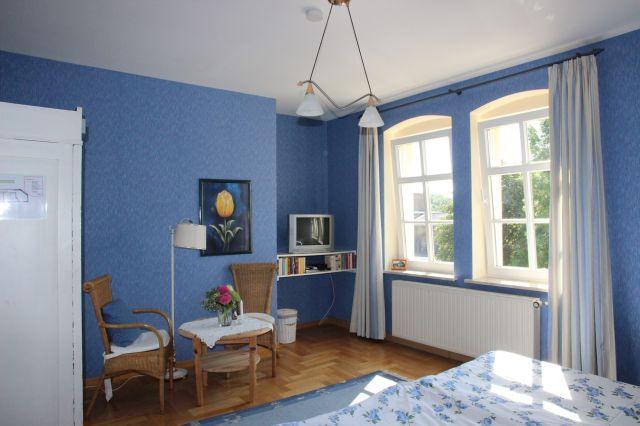 Meuble Tv Led Blau : Schlafzimmer Landhausstil Blau Ferienwohnung Stadtvilla Neuruppin